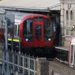 【テロ】ロンドン地下鉄で不審物が爆発!負傷者多数!
