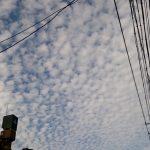 【地震予兆?】名古屋や関東にうろこ雲出現!謎の頭痛も!【地震雲】
